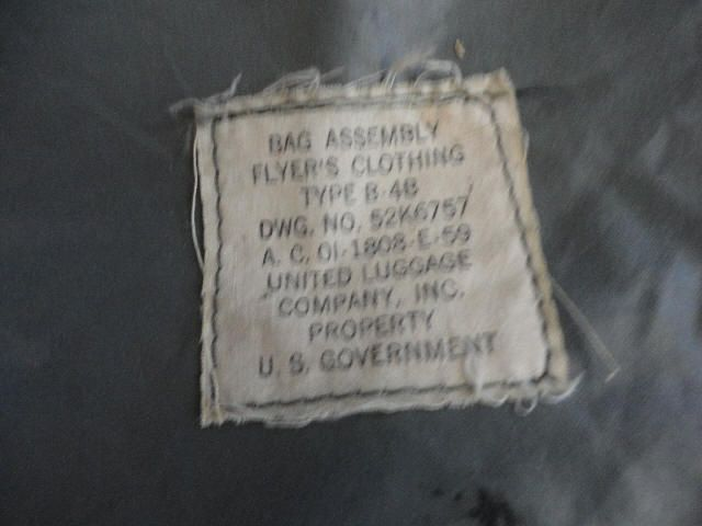 US Air Force Type B 4B Flyers Clothing Bag Assembly – Post Korean
