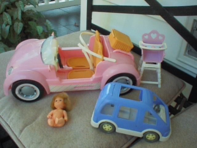 2006 Barbie Happy Family Doll Pink Glam Convertible Beach Cruiser Car