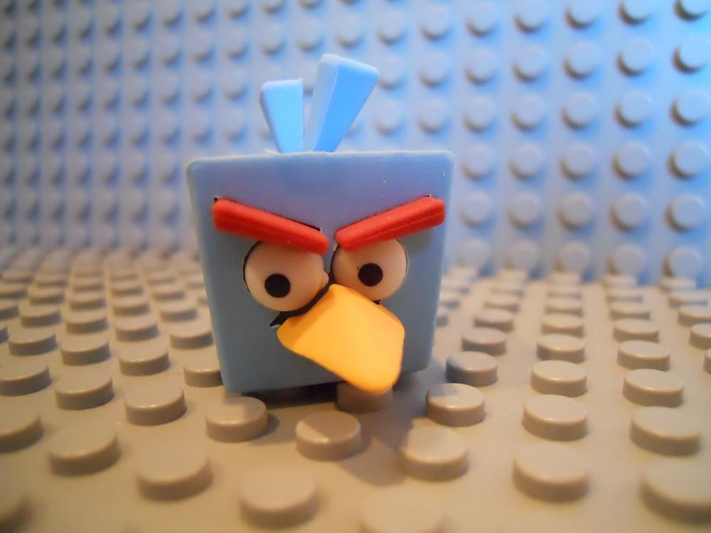 ANGRY BIRDS SPACE PUZZLE ERASEEZ ERASER ICE BOMB BIRD NEW BLUE ORANGE