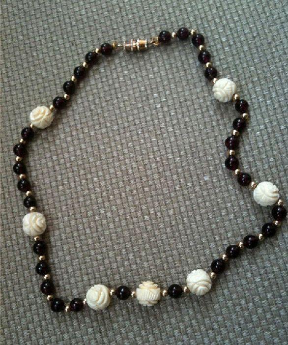 Faux Hand Carved Ivory Bead Vintage Estate Red Garnet Necklace w Gold