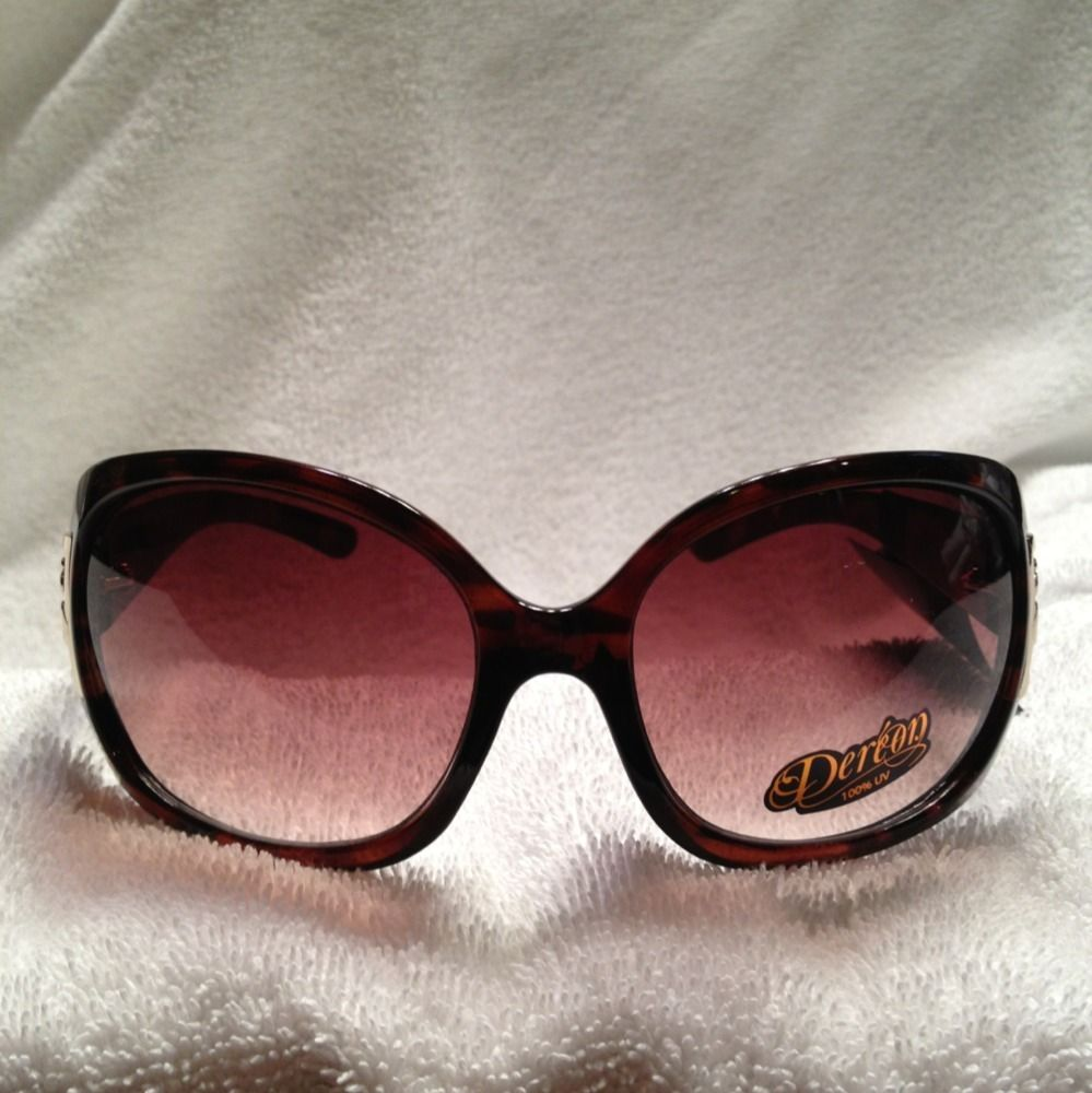New With Tag Women Dereon Brown Grandient Tint Lenses Model D1019
