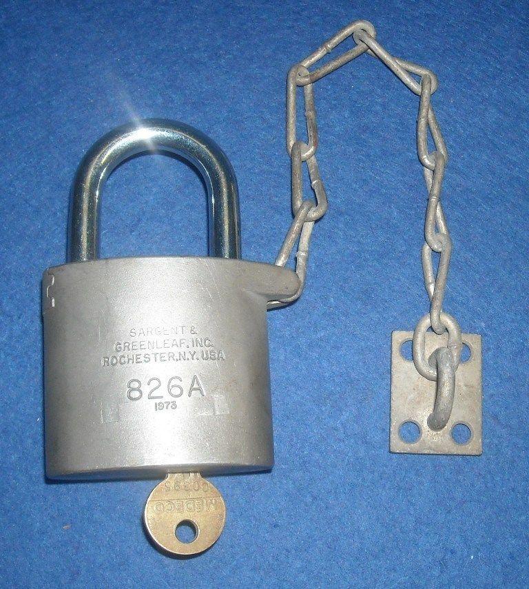 Sargent Greenleaf Inc Pad Lock with Key