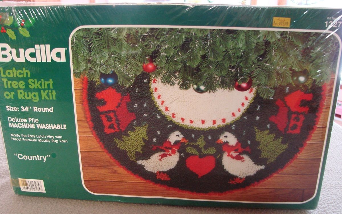 new vintage 34 bucilla latch hook christmas tree skirt rug kit