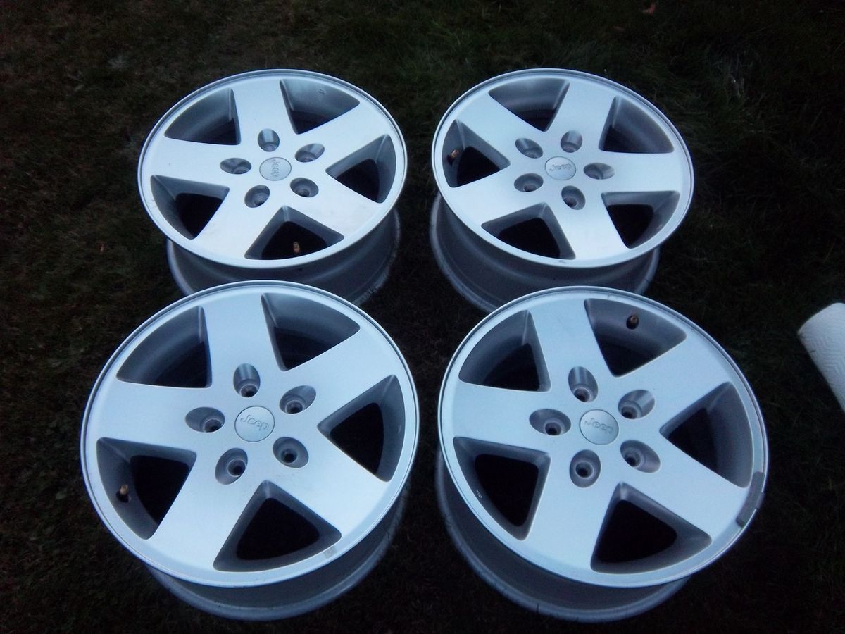 17 Silver Jeep Wrangler Factory Wheels Rims Unlimited 07 11